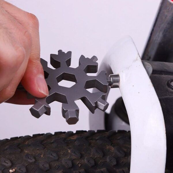 18 In 1 snowflake Multi-Tool3.jpg
